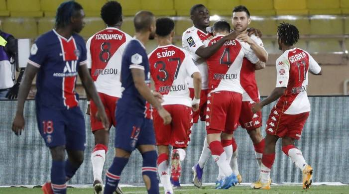 PSG squander two-goal lead in Monaco defeat