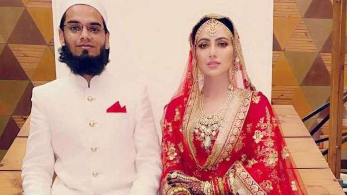 Sana Khan shares first wedding photo with husband Mufti Anas