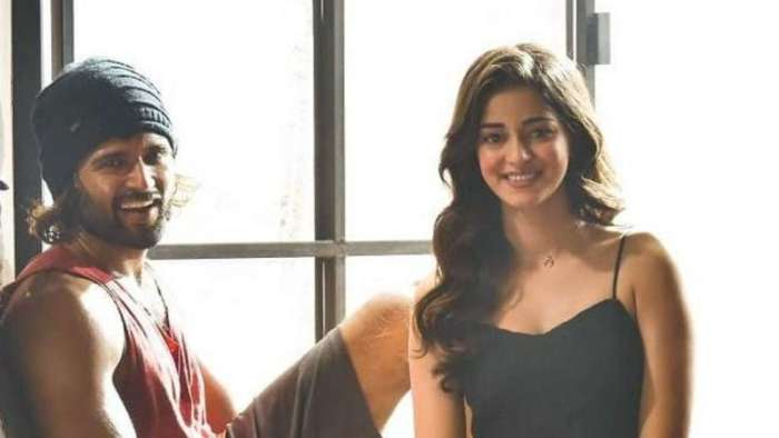 Vijay Deverakonda is all praise for 'Fighter' co-star