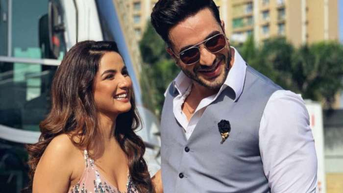 Jasmin Bhasin reveals if she will re-enter 'Bigg Boss 14', talks about marriage plans with Aly Goni