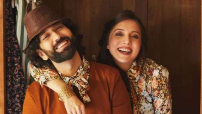 Actor Nakuul Mehta, wife Jankee Parekh blessed with baby boy