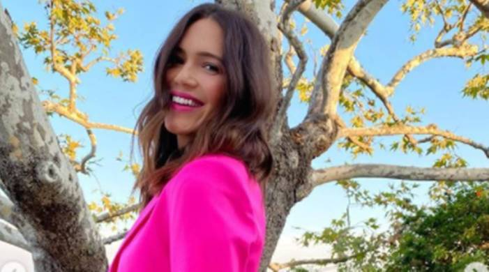 Mandy Moore feels a 'tinge of jealousy' for moms who can have home births, while she cannot