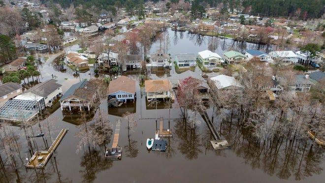 Loretta Lynn 'heartbroken' after longtime ranch foreman Wayne Spears dies amid Tennessee floods