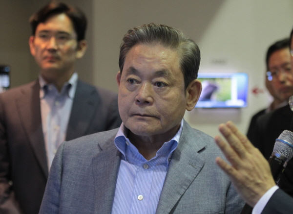 Does-Samsung-chief-want-to-wake-up