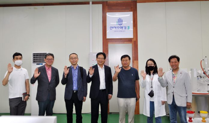 Green-Grass-CEO-Shin-Seung-ho-and-medical-foods