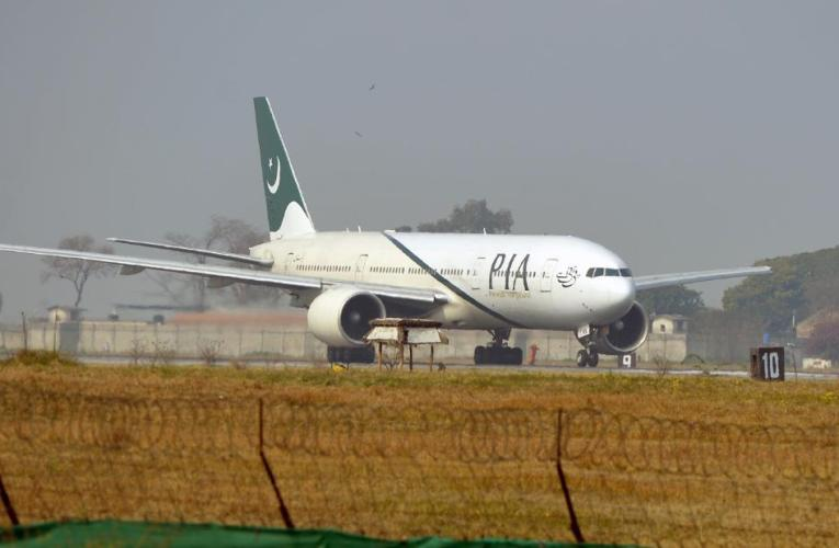 Almost 1 in 3 pilots in Pakistan have fake licenses, aviation minister says