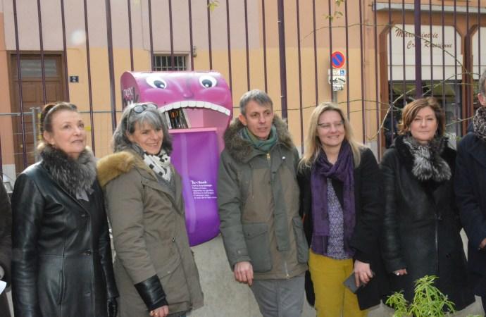 Lyon : Le CEE4 pose son 2eme troc book au jardin d'Ivry