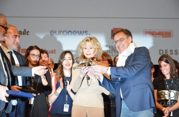 Lyon/ Cérémonie de clôture du festival Lumière  : Jane Fonda fait l'éloge de Lyon