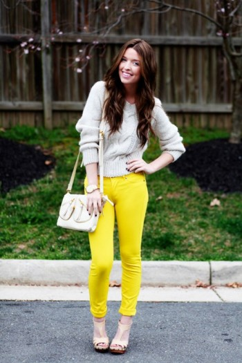 Lemon yellow contrasted with light colour helps to play a safe but famine look