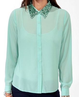 To be playful yet clam, wear Mint