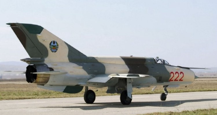 MIG-21 FAM_Moz- Aerostar 07jul2014_03