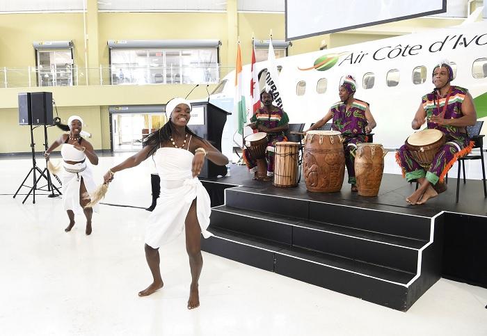 Durante a cerimónia de entrega, na cidade de Toronto, no Canadá, actuou um grupo de danças costamarfinenses.