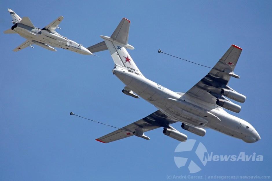 Simulação de reabastecimento aéreo de um Ilyushin Il-78M com Sukhoi Su-24M.