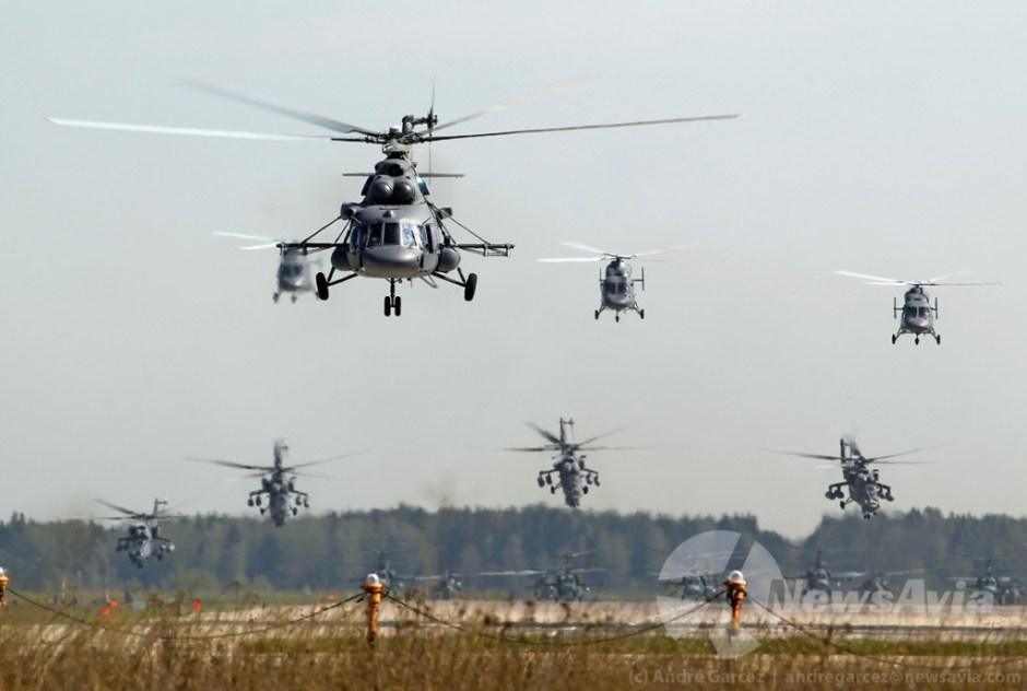 Participaram no desfile cerca de 30 helicópteros de vários tipos, sendo a sua descolagem em massa da Base Aérea de Kubinka um dos momentos altos para qualquer spotter que ali se deslocasse.