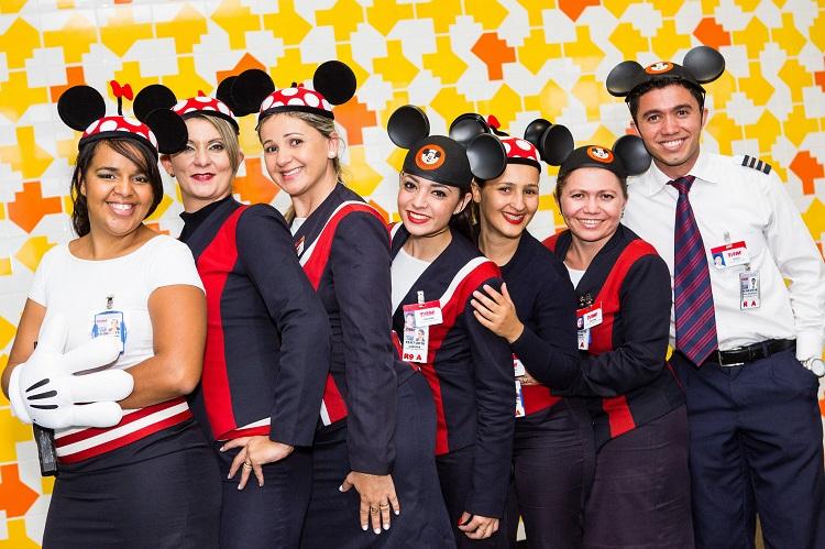 TAM 1st_flight Brasilia_Orlando_crew02 750px