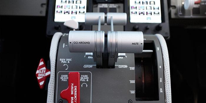 Bombardier-Learjet-75-Cockpit-detalhe