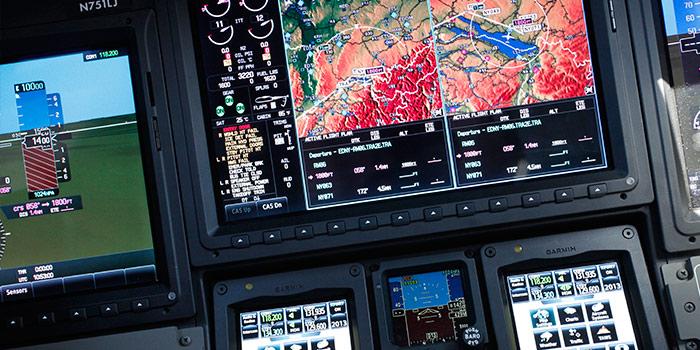Bombardier-Learjet-75-Cockpit