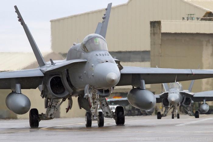A Finlândia apresenta-se no exercício com seis F/A-18 Hornet, na qualidade de nação parceira da NATO
