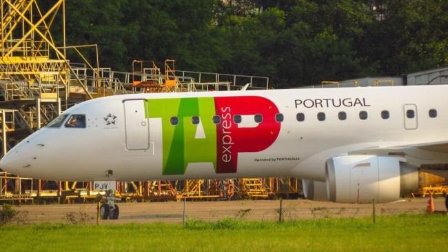 TAP Express EMB190 CS-TPM AeroPOA_02 1100px