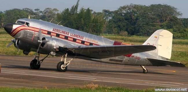 ARALL DC-3 Aviacol_net 900px