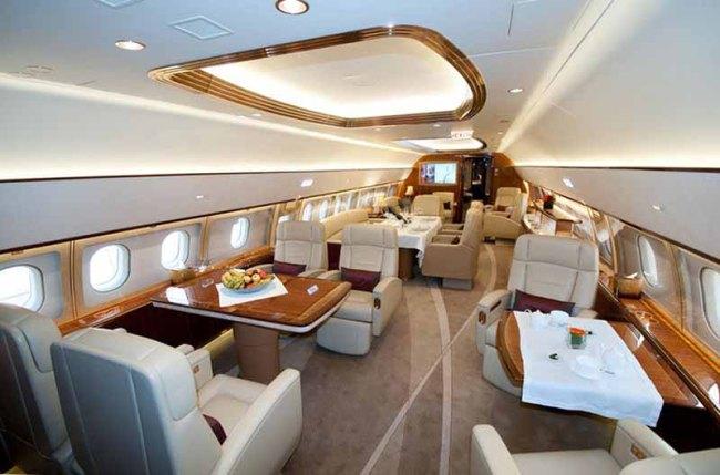 Airbus ACJ319_Airbus_Comlux_cabin_lounge 800px