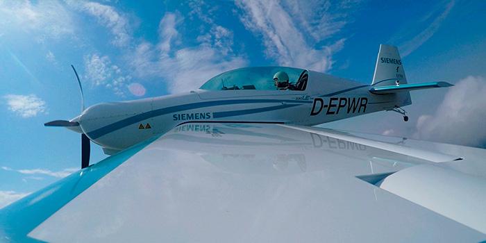 Extra-330LE-Siemens-voo-2