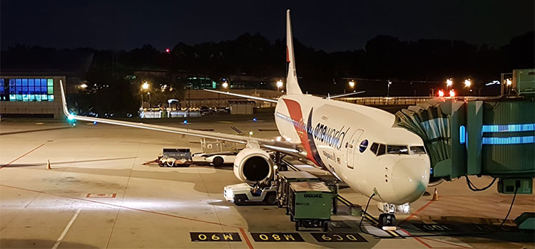 Figura 6: 9M-MXC da Malaysia Airlines com pintura OneWorld em KUL