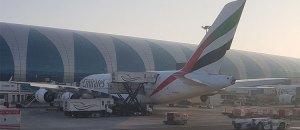 Figura 10: Camião de Catering a abastecer o piso superior de um A380 da Emirates no Dubai