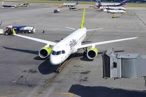 AirBaltic A220 estacionado