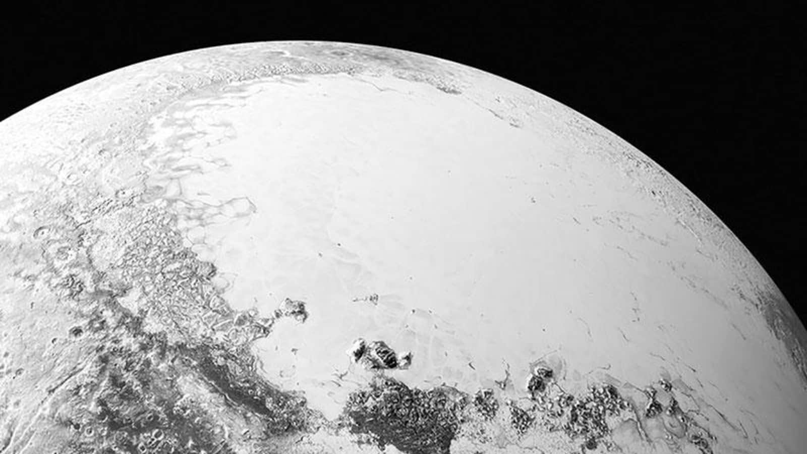 Pluto's atmosphere is disappearing. New research explains why