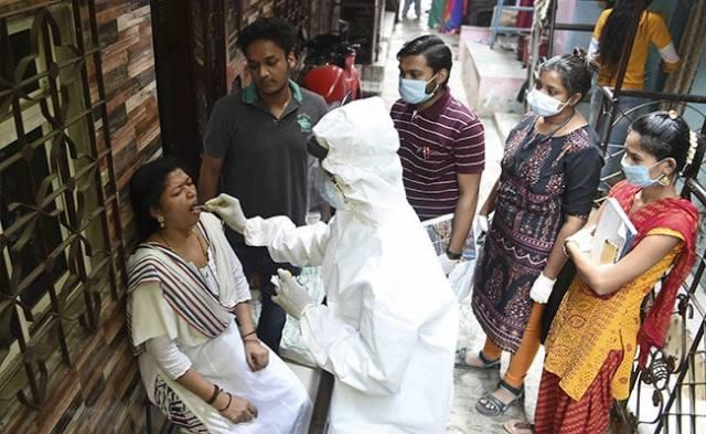 कोरोनावायरस लाइव अपडेट: इंडिया रिकॉर्ड्स 1,52,879 नए कोविद मामलों में सबसे अधिक एकल-दिवसीय वृद्धि