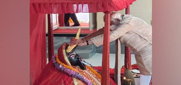 Prime Minister performs Pooja at Jeshoreshwari Kali Shaktipeeth