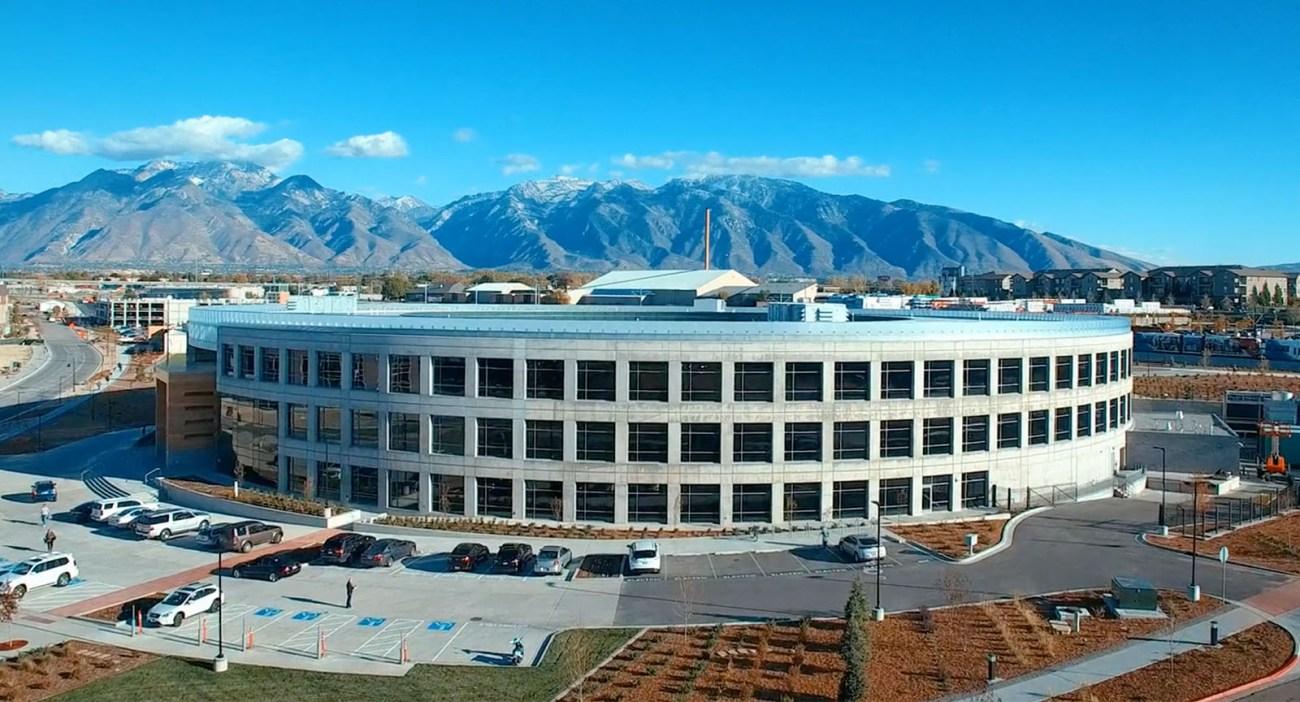Dynamic glass company View Raises $200 Million Series G
