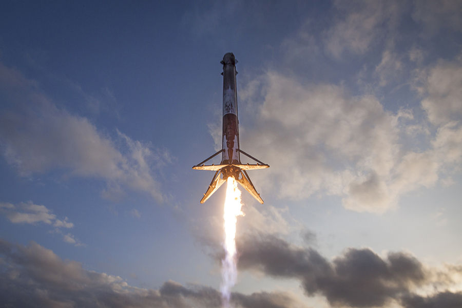 Space transportation company SpaceX Raises $350 Million