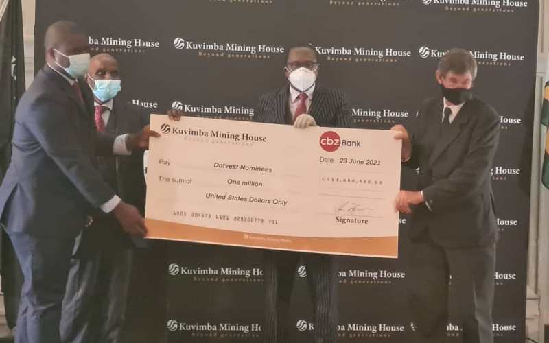 Farmers Receive US$1 Million From Zimbabwe Government