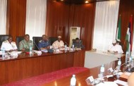 Buhari meets with Service Chiefs