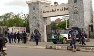 Policemen Flee As Gunmen Invade Ogun Monarch's Palace During APC Congress