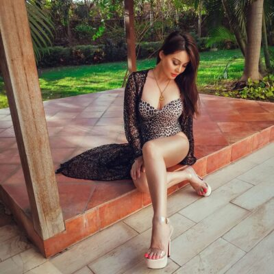 Minissha Lamba Is Raising Temperatures With Her Glamourous Pictures - SEE