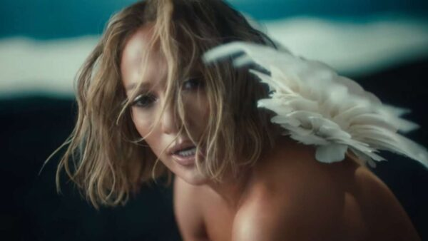 Jennifer Lopez goes nude for new song 'In The Morning', video releases online