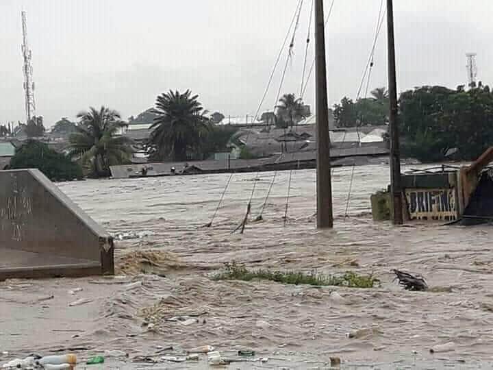 Flooded Gwagwalada bridge