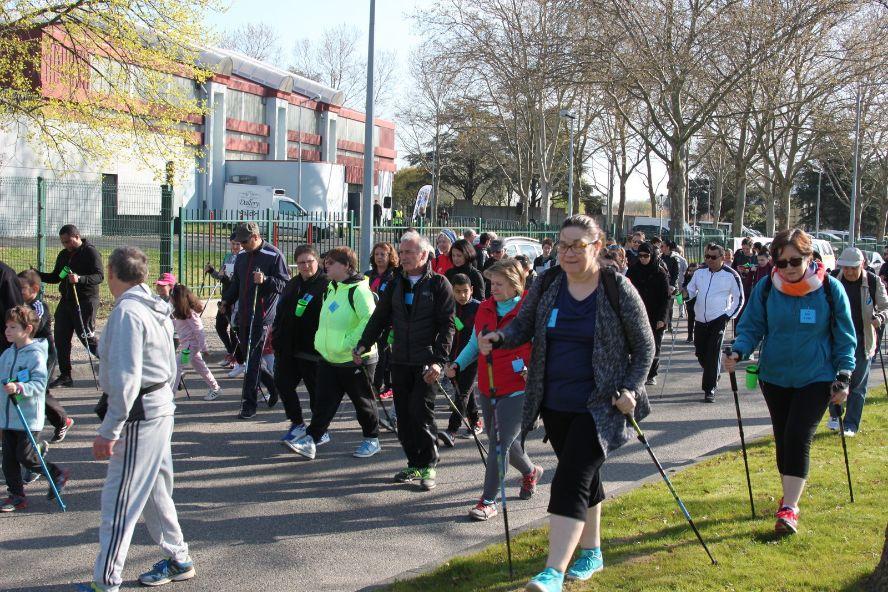 VENISSIEUX | Participation record à la 9° Marche Nordique