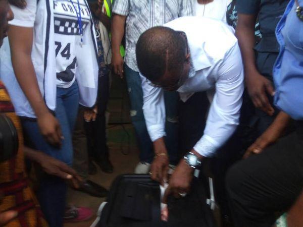 •Governor Obiano casting his ballot on Saturday morning. Photo: Ifeoma Okafor.
