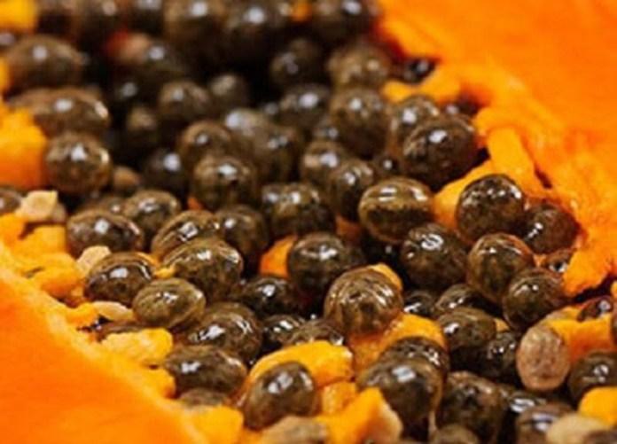 Eating Papaya Seeds Detoxifies Liver & Kidney, Heals