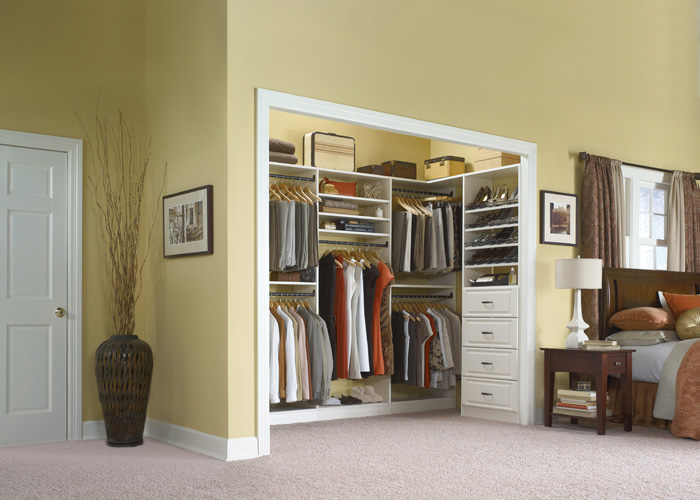 How To Organize Your Bedroom Closet With These Simple Tips?