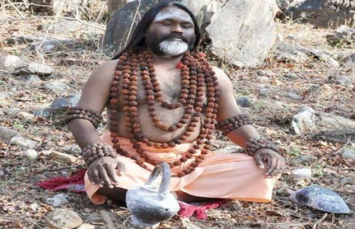सफरनामा: चाय की दुकान पर काम करनेवाला मदन कैसे बना दाती महाराज...