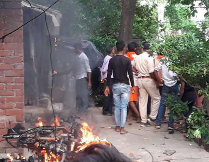 mob go on rampage after murder of student woman paraded naked in bihar