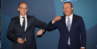 Ο Μάας στην Άγκυρα ως... διαιτητής στις διερευνητικές Ελλάδας-Τουρκίας