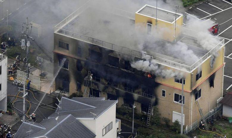 Bombeiros Trabalhando no Incêndio da Kyoto Animation