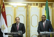 Egyptian President Fattah al-Sisi (L) and Ethiopian Prime Minister Hilemariam Desalegn attend a press conference after their meeting on issues of security in Africa ,bilateral relations and Grand Ethiopian Renaissance Dam (GERD), which Ethiopia is building over the Nile River, in Addis Ababa, Ethiopia, on March 24, 2015. (Xinhua/Michael Tewelde)(zhf)
