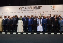 Guests attending the 25th African Union (AU) Summit pose for a group photo before the opening of the Summit at Sandton Convention Centre in Johannesburg, South Africa, on June 14, 2015. The AU on Sunday kicked off its 25th summit in Johannesburg, amid high expectations for solutions to resolve a series of challenges. (Xinhua/Zhai Jianlan)